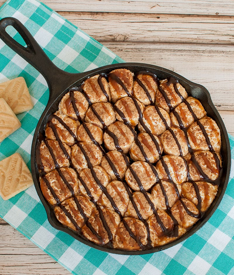 Samoa Pie Dip skillet with short bread cookies